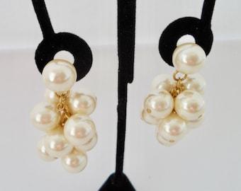Vintage Faux Pearl Grape Cluster Earrings Statement Earrings Dangle Earrings Clip On Earrings Bridal Earrings Vintage Pearl Earrings