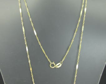 14k Gold Personalized Name Pendant & Chain