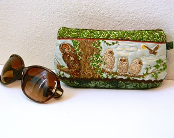 Owl Sunglasses Case Quilted Rare Vintage Fabric Eyeglasses Pouch Green Ivy with Owl Family Fabric Eyewear Case Original Design