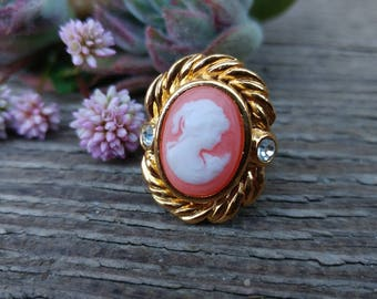 Coral Pink Cameo Ring // Vintage Avon Cameo Ring // Sz 6 Boho Ring // Gold & Rhinestone Classic Ring // Mother's Day Gift