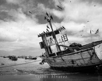 Ecuador Beach Photo Print || Wall Art || Black and White Beach Photography || Photography Gift || Salinas Ecuador Photo || Maritime Photo