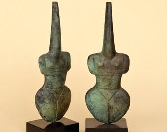 Greek Statue, Abstract Female Figurine Metal Sculpture, Greek Art Metal Sculpture, Greek Museum Replica, Geometric Art Minimalist Home Decor