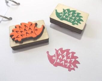 Stamp, hedgehogs, 3.9 x 2.5 cm (S10-0001A)