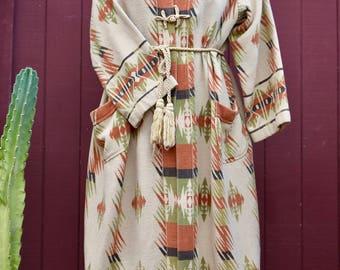Stunning 1930s Native American Print Flannel Beacon Blanket Robe Large