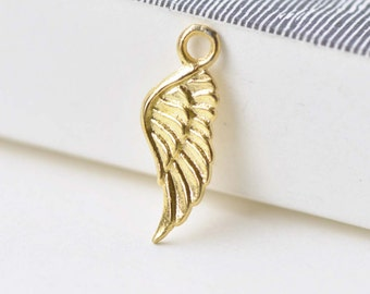 20 pcs Gold Small Feather Wing Charms 8x17mm A8566