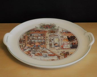 """Villeroy & Boch Foxwood Tales 12.5"""" Handled Cake Plate, Brian Paterson 1994, Luxembourg, Rabbits Hedgehog, Green Rim"""