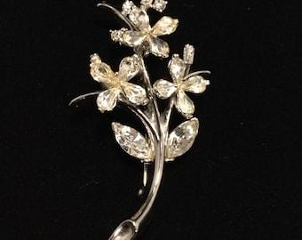 CROWN TRIFARI  Small Star Flower Brooch