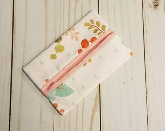 Tissue Pocket Travel Tissue Holder Tissue case Bag Accessory! Roses with Gold Metallic, and Mint Accents!