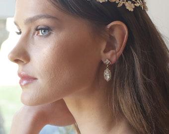 Bridal earrings, Bride jewelry, Wedding crystal chandelier ,Brides Swarovski earrings, Gold Vintage style earrings, Bridesmaid, accessory