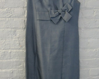 Splendid grey silk shantung sleeveless shift from the 1960's