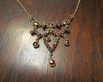 Late Edwardian Garnet Necklace