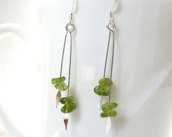 Peridot earrings August birthstone Peridot chip earring Peridot jewelry green earring arrow earring spear earring green earring
