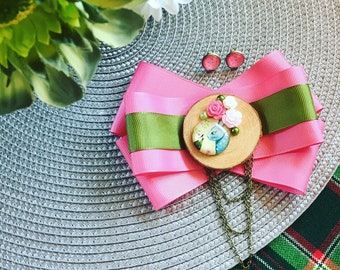 Gorgeous, handmade, stylish, fashion lace brooch ordin, bunny caboshon, accessory for woman, boxed, ready to ship, pink, green, earrings