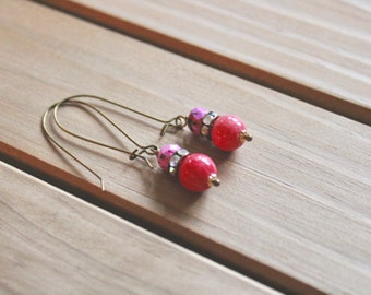 Honeysuckle pink, rhinestone, and speckled pink bead drop earrings, kidney wire earrings