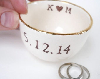 gold or silver, RING DISH wedding ring pillow table decoration party favors bridesmaid and groomsmen gifts personalized names date phrases