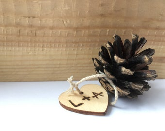 Personalized Wedding Pinecone, Placecards, Thanksgiving Event, Woodland Wedding, Natural Rustic Country, Wedding, Eco-friendly