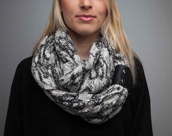 Infinity scarf / circular scarf / wrap