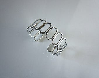Bella's Oval Cuff Bracelet