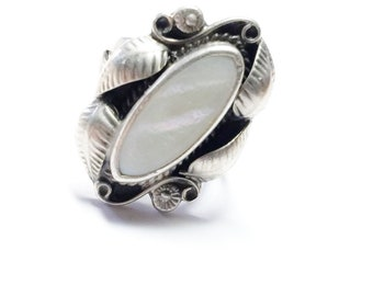 Mother Of Pearl Steling Silver Ring