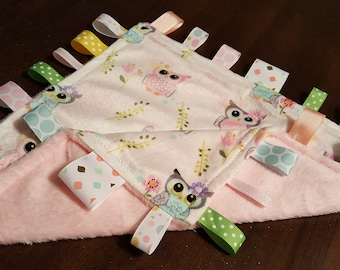 Owl taggie, custom taggies, baby gift set, baby shower gift, pink with pastels taggie