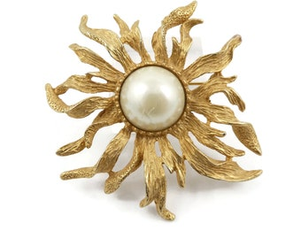 Vintage, Flower Brooch, Gold Tone, Faux Pearl