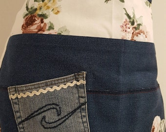 Half-apron in jeans with Rose fabric