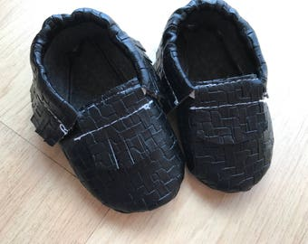 Moccaloos- black weaved baby Moccasins-Size 0,1,2,3,4,5