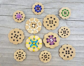 """Stitchable Flower Buttons - Card of Four 3/4"""" or 1"""" Bamboo Buttons"""
