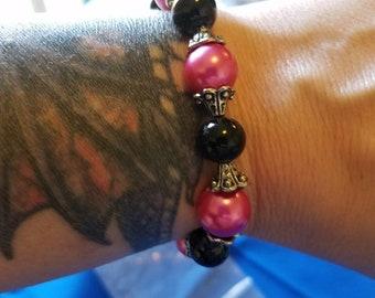 Pink stretch bracelet, black and Pink bracelet,  black and pink stretch bracelet, pink beaded bracelet, black beaded bracelet