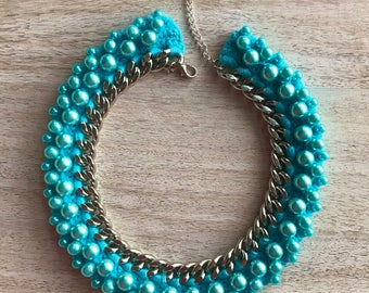 Crochet jewelry. Necklace crocheted. Tied chain. Turquoise and Pearl. Chain and pearls. Necklace collar.A gift for her.