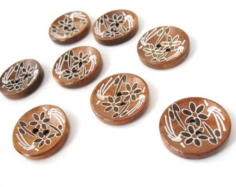 6 brown wooden button - white flowers pattern 23mm