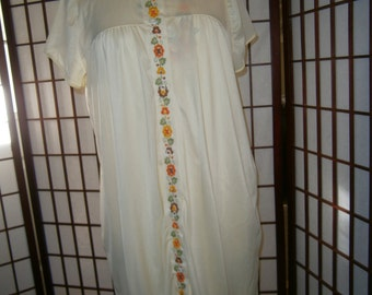 Women's Peignoir Set - Yellow with Orange and Green Trim-70's