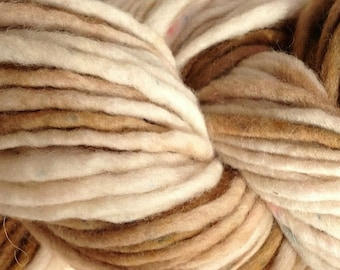 Bulky / Chunky Weight Hand Painted Wool Yarn Pencil Roving in Rootbeer Float 60 yards White Brown