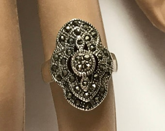 Sterling Silver Elegant Marcasite Ring - Size 6