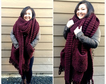 Oversized knit scarf with pockets, chunky knit scarf, super chunky knit scarf, scarf with pockets