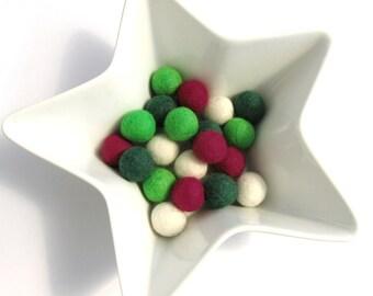 Felt balls 2cm - Christmas Color Mix - 20 Pure Wool Beads  (W260A)
