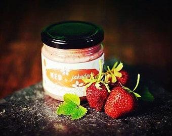 Honey with strawberries