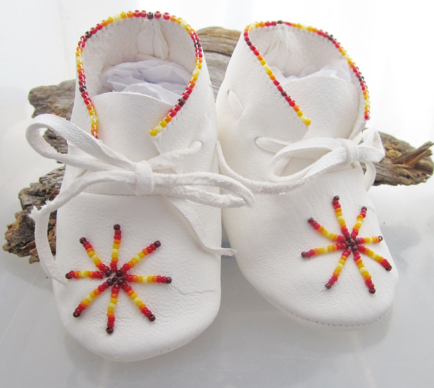 Uni shoes in White Leather Beaded Rainbow ColorsNative
