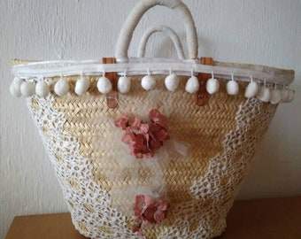 Carrycot with crochet, tulle and flowers