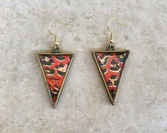 red leopard triangle dangle earrings / gold triangles / animal print
