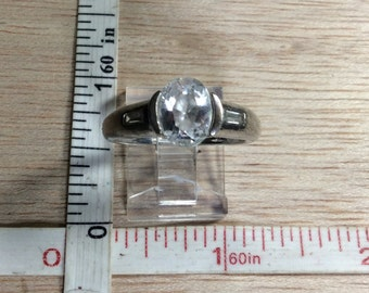 Vintage 925 Sterling Silver 4g Cz Ring Size 8.25 Used
