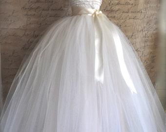Full length tulle skirt. Maxi long tutu skirt. Classic simplicity. Tulle skirt for women.