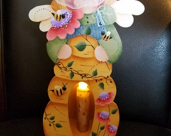 Beekeeper Candle Box designed by Renee Mullins (Plum Purdy Designs) painted by Kim Fraser.
