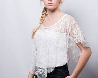 poncho, poncho in ivory lace, Bridal poncho, Bridal cape, cape, lace, lace capelet