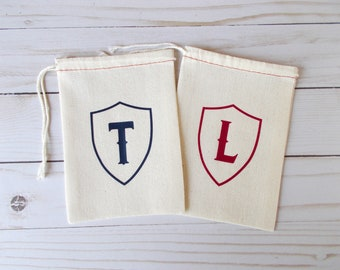 Shield Favor Bag, Personalized Pouch, Custom Party Favor, Medieval Birthday, Muslin Favor Bags, Geek Wedding