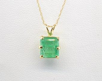 14k Yellow Gold 1.71ct Emerald Cut Emerald Pendant Necklace