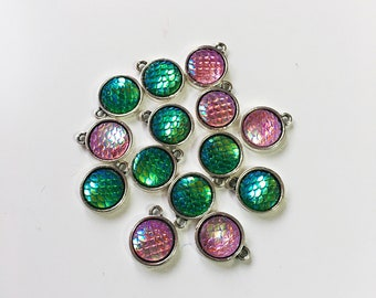 Iridescent fish / dragon scale Stitch Markers for knitting - Set of 5 - charms