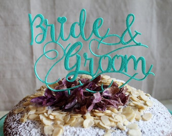 Wedding cake topper with the name of the Bride and the Groom, Personalized cake topper for the wedding, Custom ornament for the wedding cake