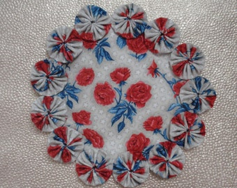 Roses on Tan with Stars Candle Mat Doily