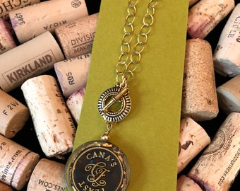 Speckle gold wine necklace